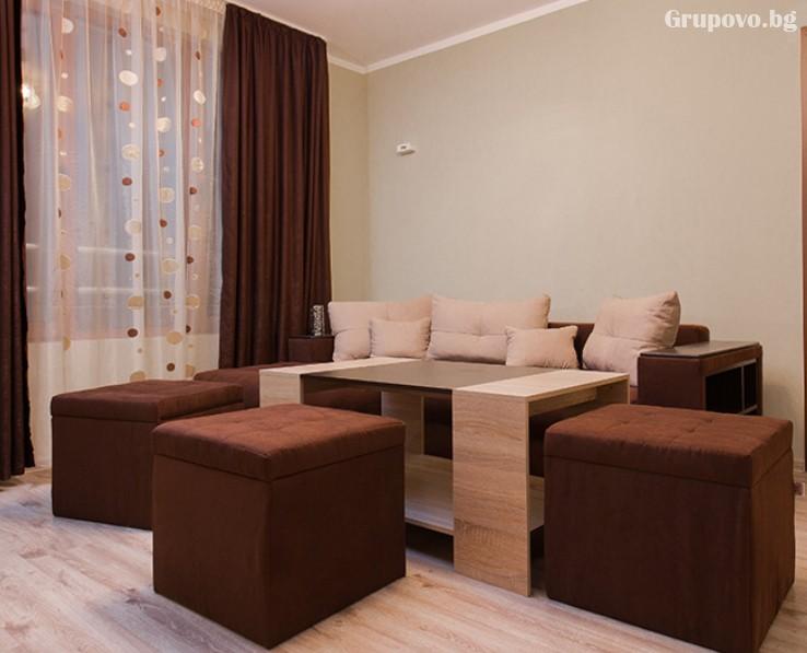 Делник в Сапарева баня! Нощувка на човек със закуска и вечеря + джакузи в къща Релакса, снимка 9