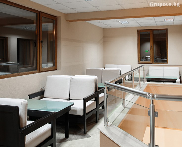 Делник в Сапарева баня! Нощувка на човек със закуска и вечеря + джакузи в къща Релакса, снимка 8