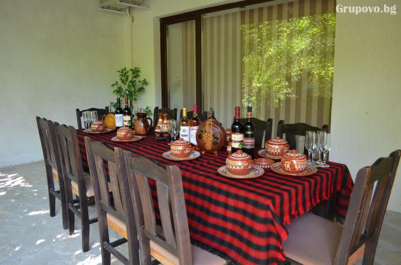 Нова Година до Свищов! Наем на самостоятелна къща за 3 нощувки за 6, 7, 10 или 14 човека от Комплекс Манастирски Чифлик, снимка 4
