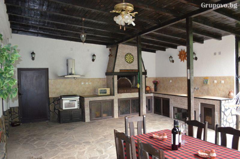 Нова Година до Свищов! Наем на самостоятелна къща за 3 нощувки за 6, 7, 10 или 14 човека от Комплекс Манастирски Чифлик, снимка 3
