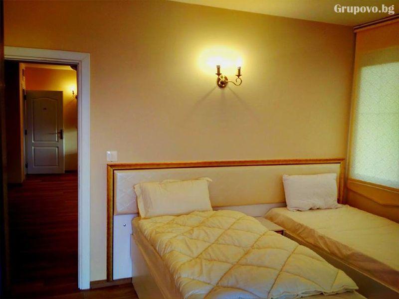 Почивка в Източни Родопи! 2+ нощувки на човек със закуски и вечери + басейн, шезлонг и чадър в хотел Хефес, край с. Кралево,, снимка 9