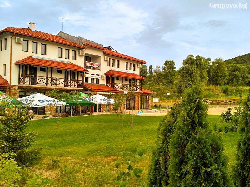 Почивка в Източни Родопи! 2+ нощувки на човек със закуски и вечери + басейн, шезлонг и чадър в хотел Хефес, край с. Кралево,, снимка 13