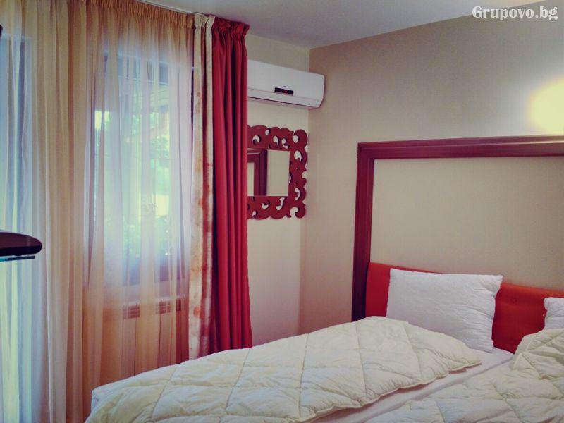 Почивка в Източни Родопи! 2+ нощувки на човек със закуски и вечери + басейн, шезлонг и чадър в хотел Хефес, край с. Кралево,, снимка 7