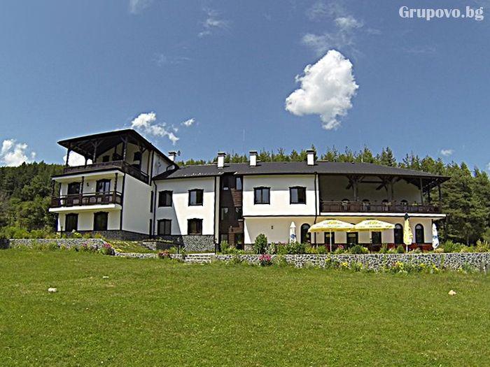 Приключенска къща и конна база Русалиите, с.Бачево до Банско