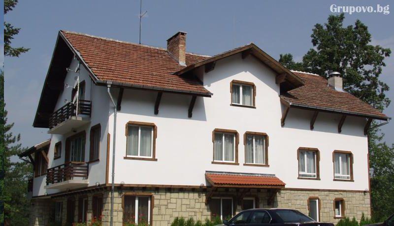 Хотел Незабравка, с. Поповци