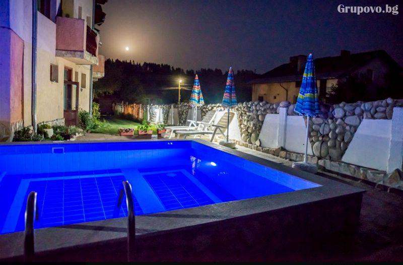 Нощувка на човек само за 20 лв. от хотел Крайпътен рай в с. Баня до Банско, снимка 8