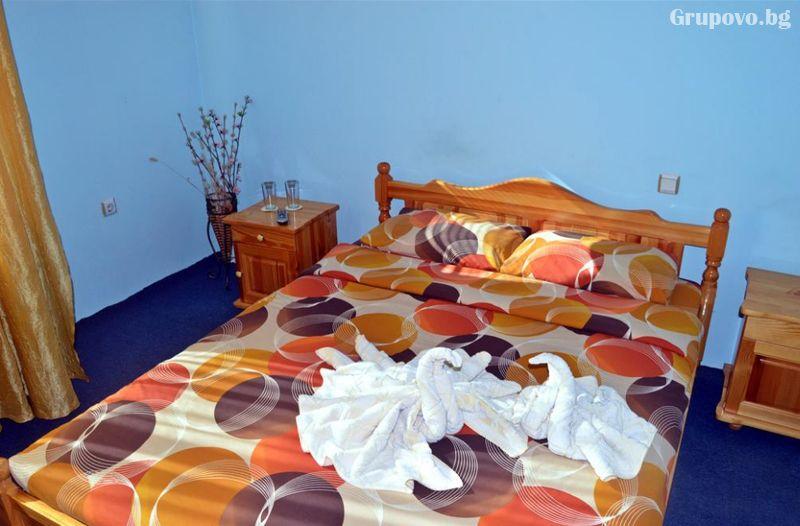 Нощувка на човек от хотел Крайпътен рай в с. Баня до Банско, снимка 6