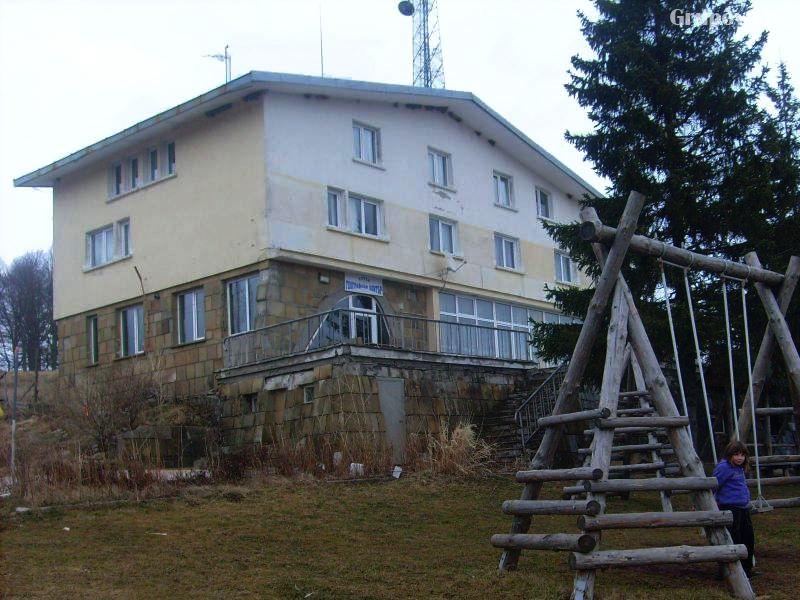Хотел Географски център, Узана