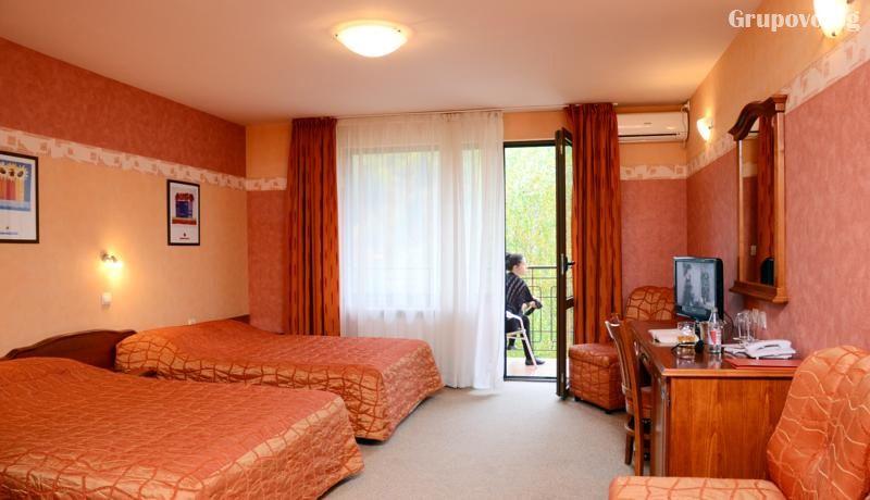 Нощувка на човек със закуска + басейн и релакс пакет от хотел Кипарис Алфа**** Смолян!, снимка 13