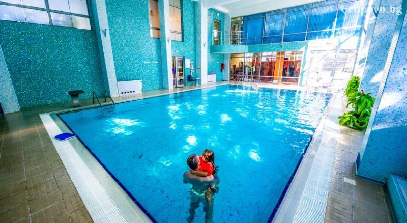 Уикенд в Бургас. 1, 2 или 3 нощувки на човек със закуски + уникален басейн и релакс зона в хотел Аква, снимка 13