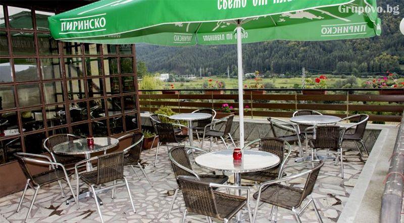 Нощувка на човек със закуска и вечеря* + горещ МИНЕРАЛЕН басейн в хотел Хелиер на 25 км. от Банско., снимка 5