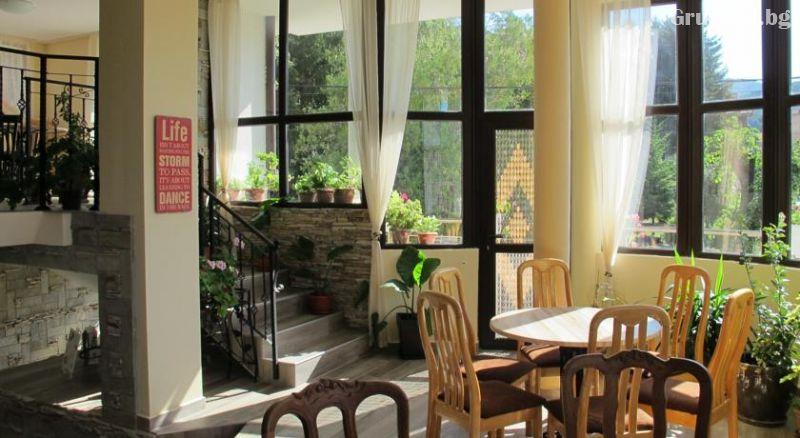 Нощувка на човек със закуска и вечеря от Къща за гости Лефтерова, Котел, снимка 14