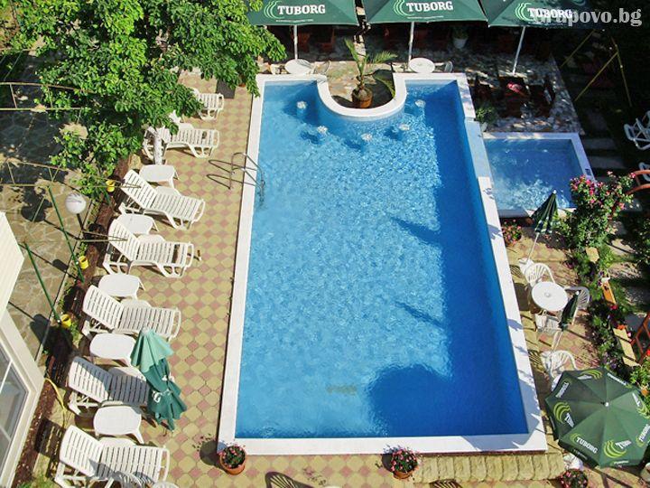 Почивка до к.к. Албена! Нощувка на човек със закуска и вечеря + басейн от хотелски комплекс Рай***, с. Оброчище, снимка 13