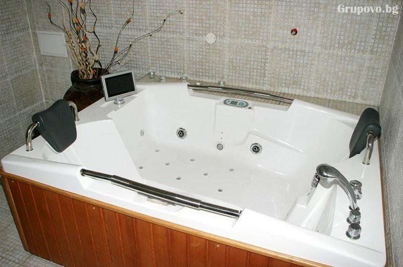 Уикенд в хотел Клептуза****, Велинград! Нощувка на човек със закуска + басейн, джакузи и релакс пакет, снимка 3