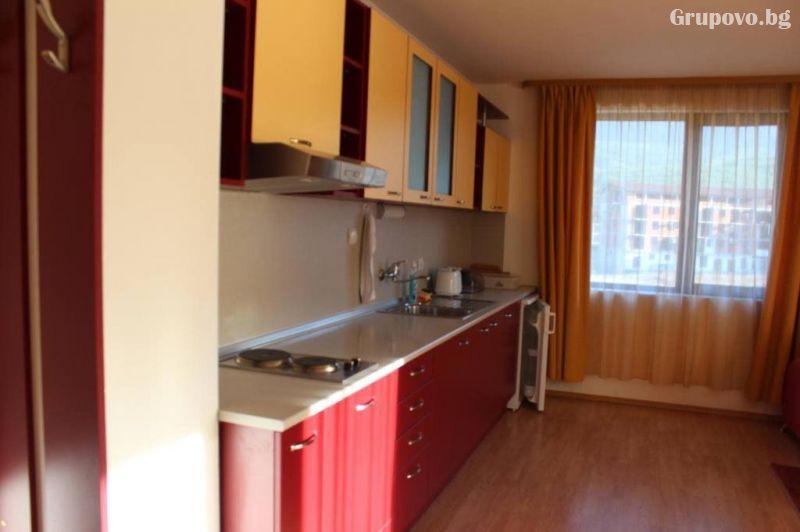 Нощувка на човек в апартамент от Kомплекс Тодорини кули, Банско, снимка 4