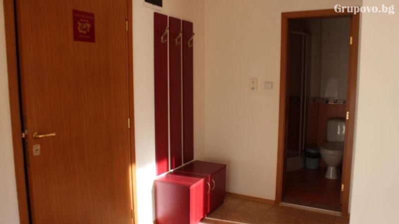 Нощувка на човек в апартамент от Kомплекс Тодорини кули, Банско, снимка 3
