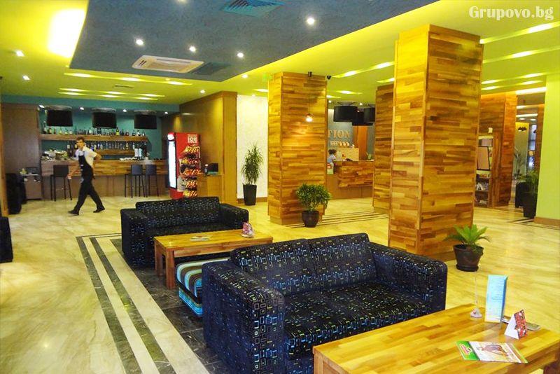 През Септември на първа линия в Несебър. Нощувка на човек със закуска и вечеря* + басейн в хотел Мираж***, снимка 8