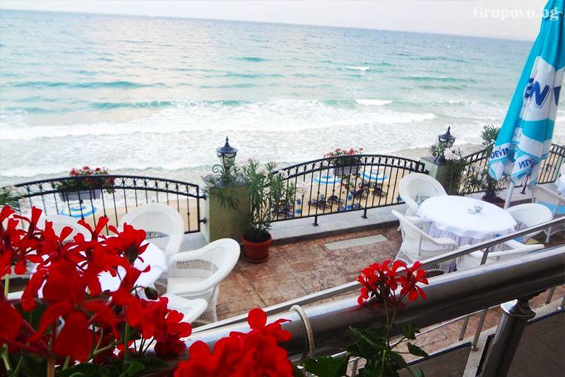 През Септември на първа линия в Несебър. Нощувка на човек със закуска и вечеря* + басейн в хотел Мираж***, снимка 10