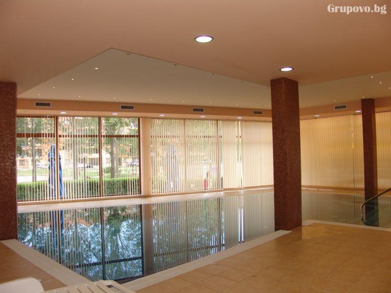 Нощувка на човек + басейн в Апартхотел Хепи, Слънчев Бряг, снимка 6