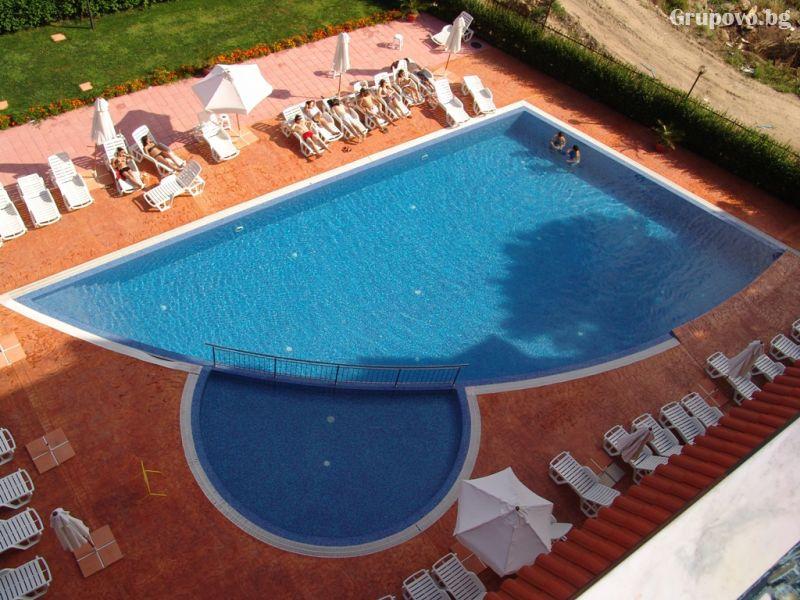 Нощувка на човек + басейн в Апартхотел Хепи, Слънчев Бряг, снимка 10