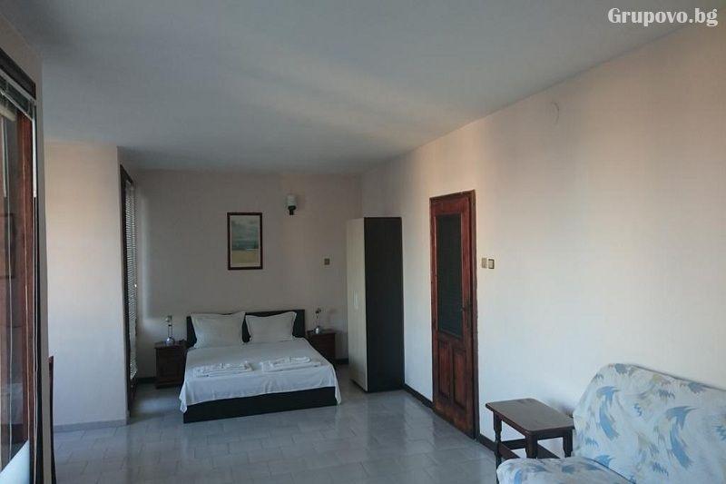 Хотел Лазур, Равда, снимка 2
