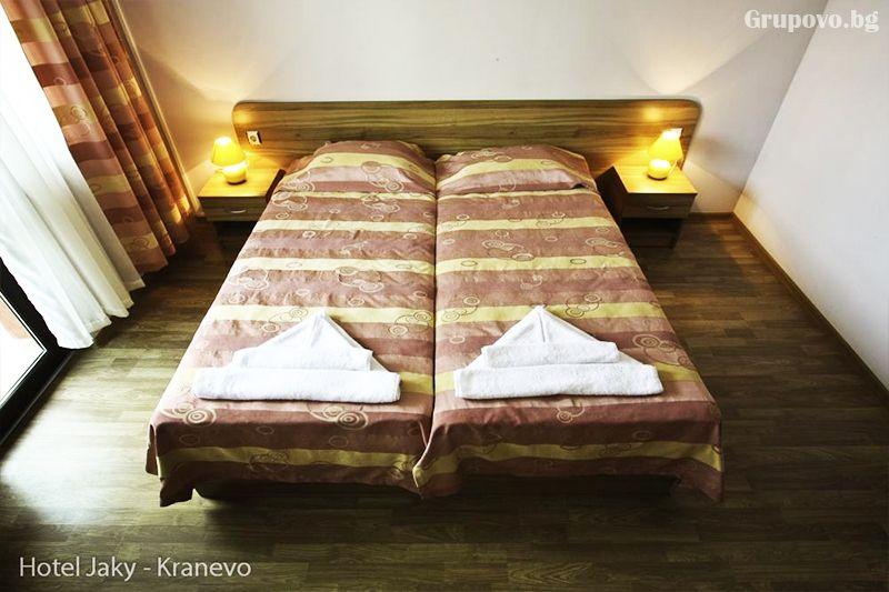 Нощувка на човек със закуска и вечеря + външен, вътрешен басейн и релакс зона в хотел Жаки, Кранево, снимка 8
