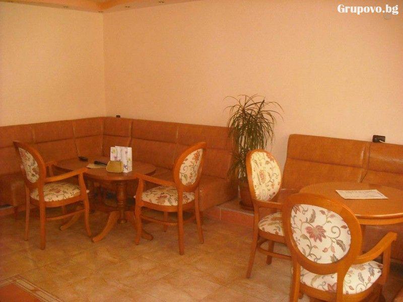 Нощувка на човек със закуска и вечеря* в хотел Релакс, Петрич, снимка 4