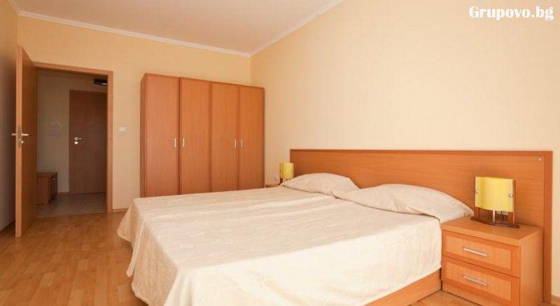 Нощувка в апартамент за 4 или 6 човека + басейн в Комплекс Централ Плаза, Слънчев бряг, снимка 5