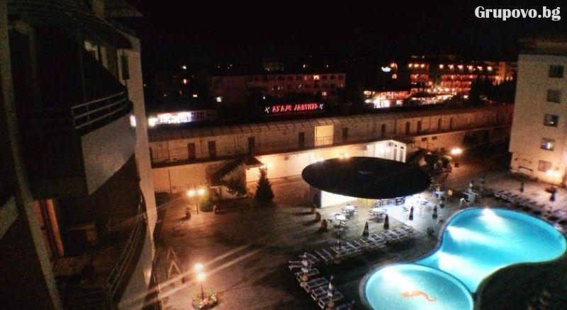 Нощувка в апартамент за 4 или 6 човека + басейн в Комплекс Централ Плаза, Слънчев бряг, снимка 11