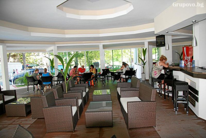 Нощувка на човек със закуска, обяд и вечеря + басейн в хотел Лотос, Китен до плаж Атлиман, снимка 8