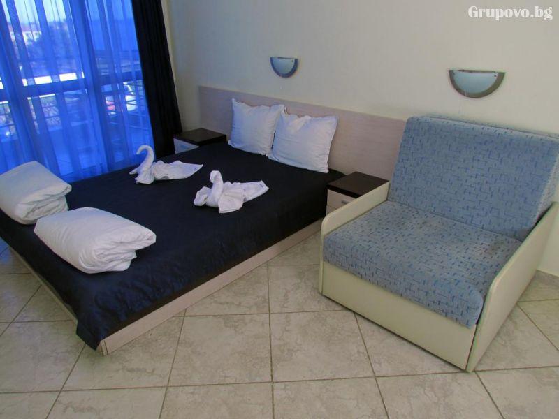 Нощувка на човек през Юни в хотел Афродита, Синеморец, снимка 6
