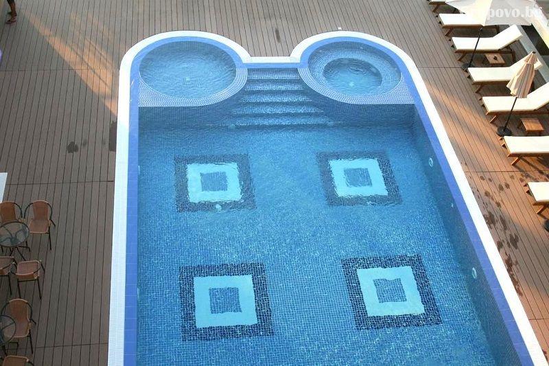 На ПЪРВА линия в Ахтопол! Нощувка за четирима или шестима + басейн от Апартаменти Санта Мария, снимка 3