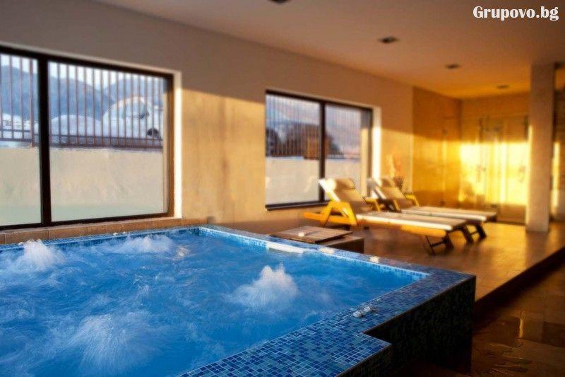 Уикенд до Банско! Нощувка на човек на база All Inclusive + вътрешен отопляем басейн и СПА зона от Мурите Клуб Хотел, снимка 9