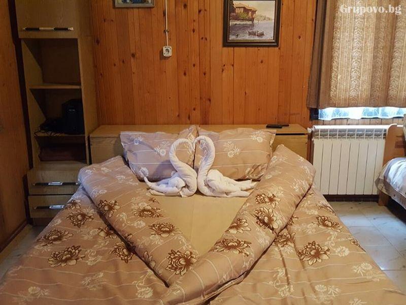 Нощувка до 9 човека в напълно оборудвана къща от Вила Мерджан, Сърница, снимка 6