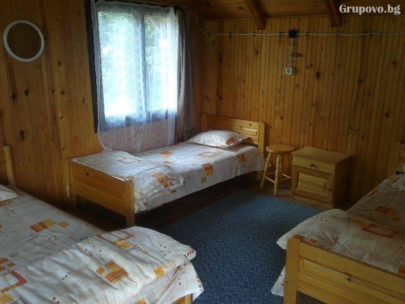 Нощувка до 9 човека в напълно оборудвана къща от Вила Мерджан, Сърница, снимка 5
