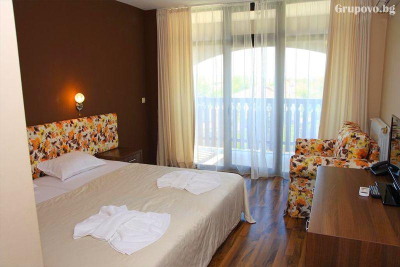 Почивка до Бургас! Нощувка на човек със закуска + басейн и релакс пакет в хотел Звезда, с. Съдиево, снимка 11