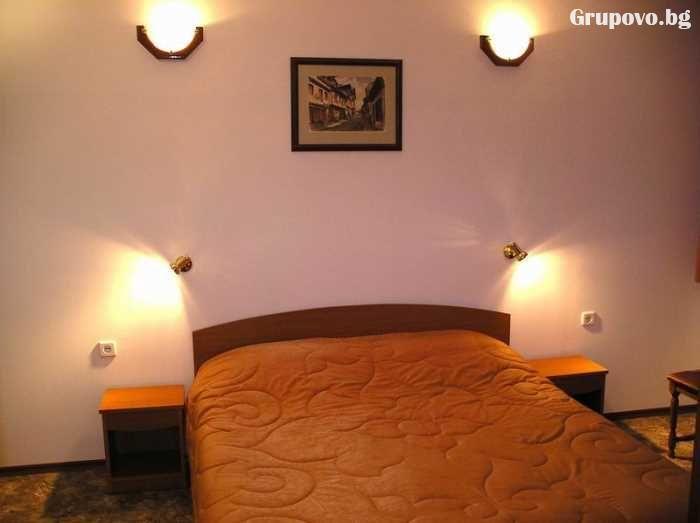 Нощувка на човек със закуска и вечеря в Балабановата къща, Трявна, снимка 8