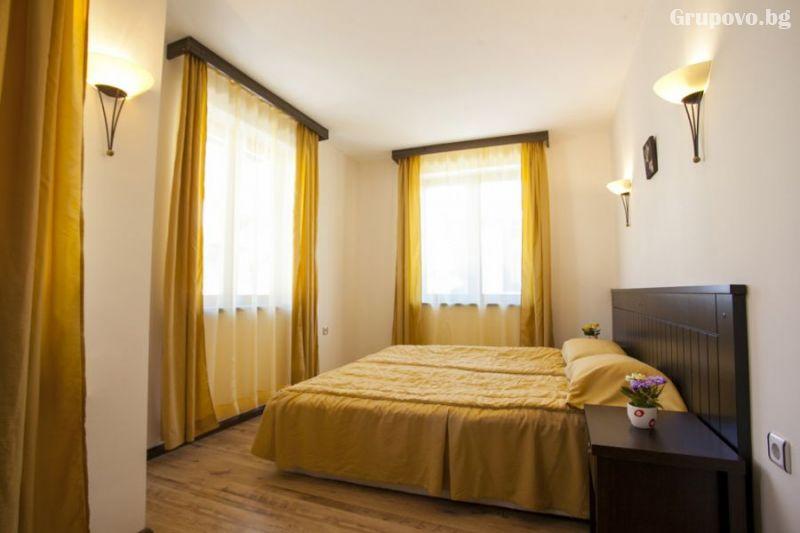 1 или 3 нощувки до ПЕТ човека в самостоятелна двуетажна вила от Къщи за гости КООП Добринище, снимка 9