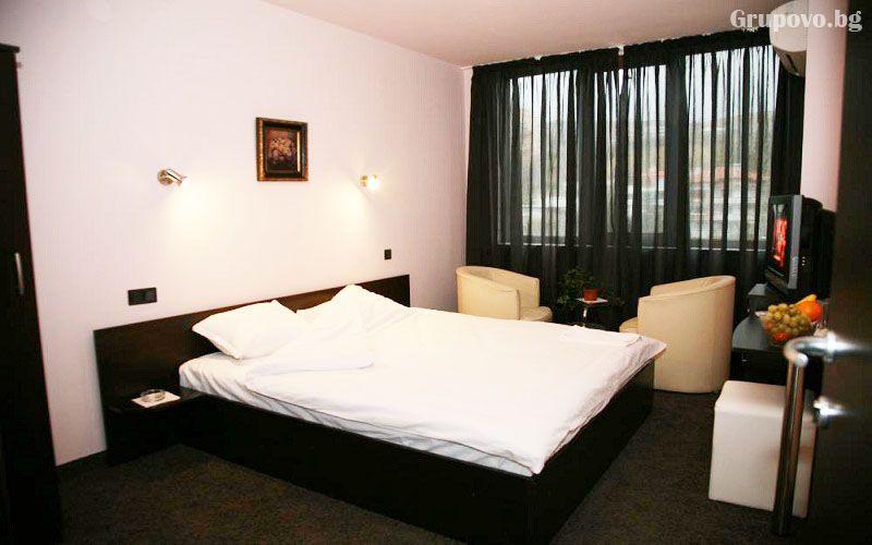 Хотел Сантана, Сандански