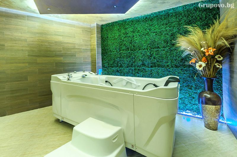 Делнична нощувка за ДВАМА със закуска + минерални басейни и СПА в Инфинити Парк Хотел и СПА****, Велинград, снимка 23