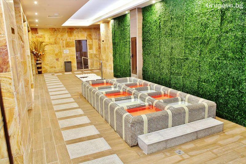 Делнична нощувка за ДВАМА със закуска + минерални басейни и СПА в Инфинити Парк Хотел и СПА****, Велинград, снимка 12