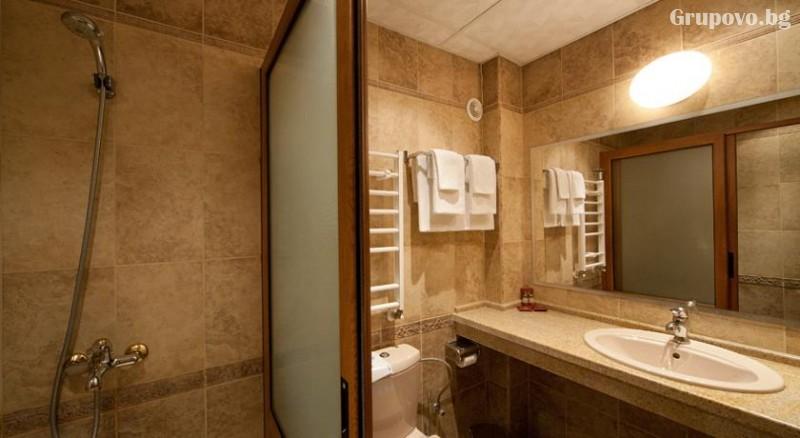 Нощувкa на човек със закускa и вечеря + сауна и парна баня от хотел Севастократор***, Арбанаси, снимка 7