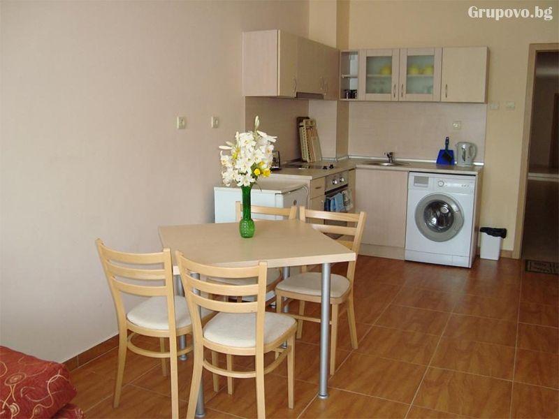 Нощувка за четирима в апартамент от Съни Дрийм Апартментс, Слънчев бряг, снимка 7