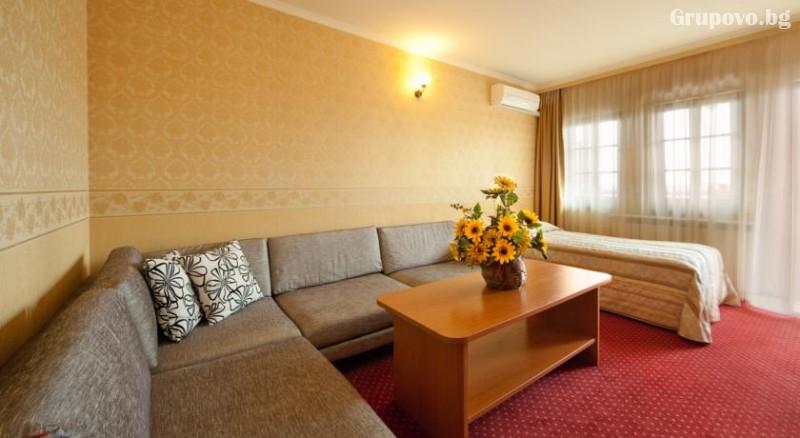 Нощувкa на човек със закускa и вечеря + сауна и парна баня от хотел Севастократор***, Арбанаси, снимка 9