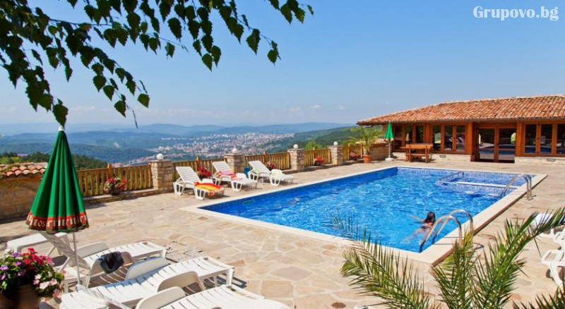 Нощувкa на човек със закускa и вечеря + сауна и парна баня от хотел Севастократор***, Арбанаси, снимка 3