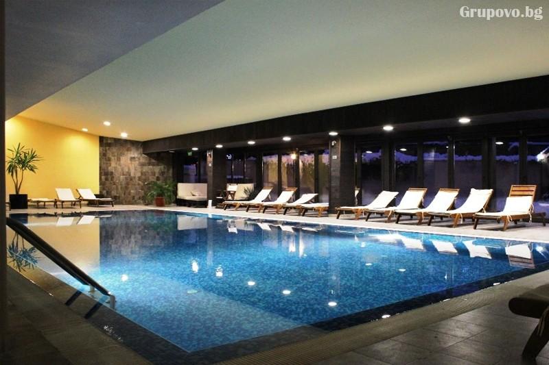 Нощувка на човек + басейн и уелнес пакет в Каза Карина****, Банско, снимка 3